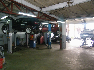 AUTO SERVIS RADOVIĆ Cargo vehicles, cargo vehicles - services Beograd