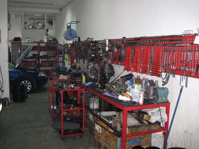 AUTO CENTAR AS+ Mechanics Beograd