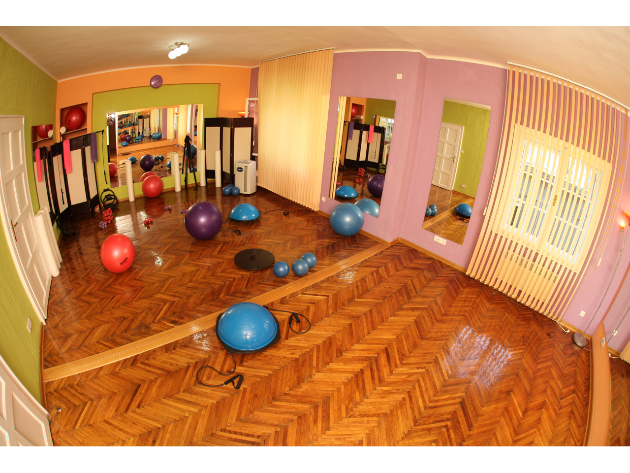 DYNAMIC PILATES&FITNESS Gyms, fitness Beograd