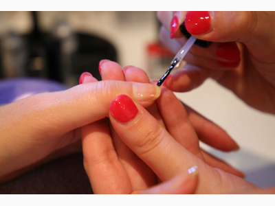 BOOM STUDIO ZA NEGU LEPOTE Manicures, pedicurists Beograd