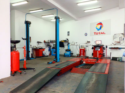 AUTOSERVIS BRANKO I RADE Car-body mechanics Beograd