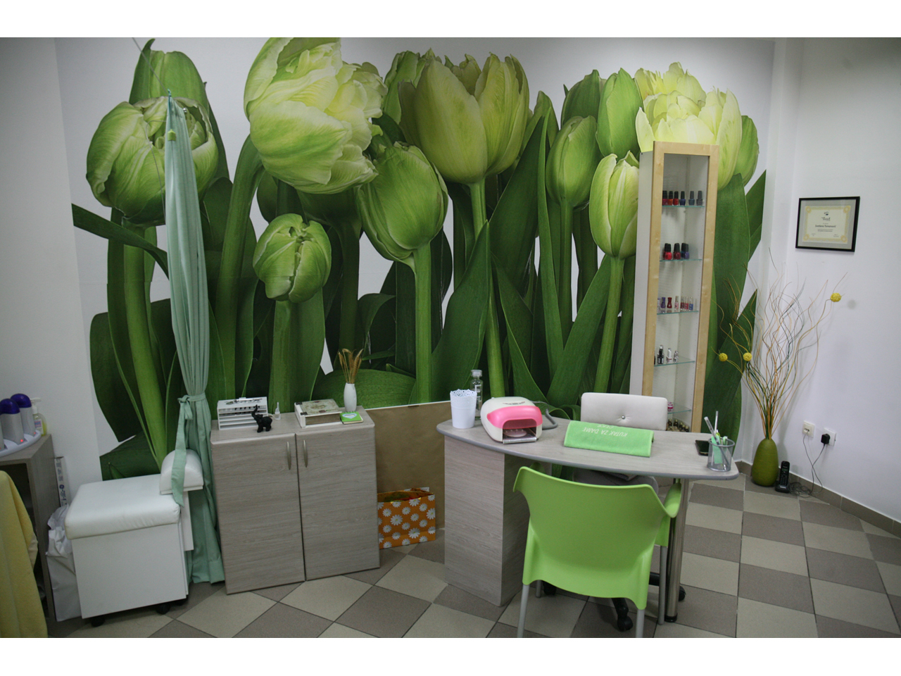 KUTAK ZA DAME CEKY Manicures, pedicurists Beograd