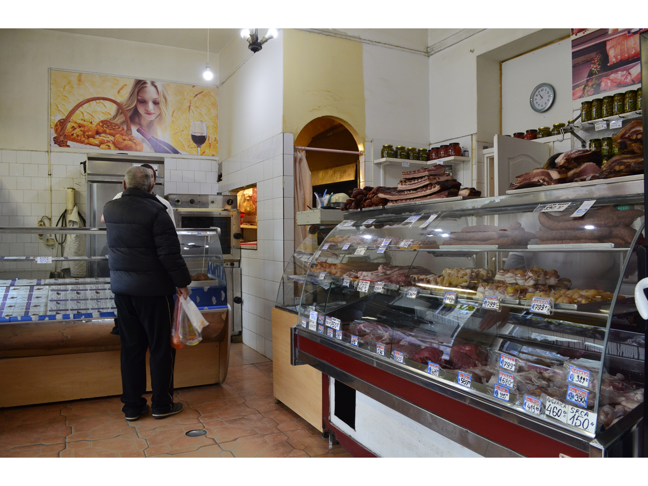 BUTCHER STORE AND BAKERY VIOLA BELLA Butchers, meat products Beograd