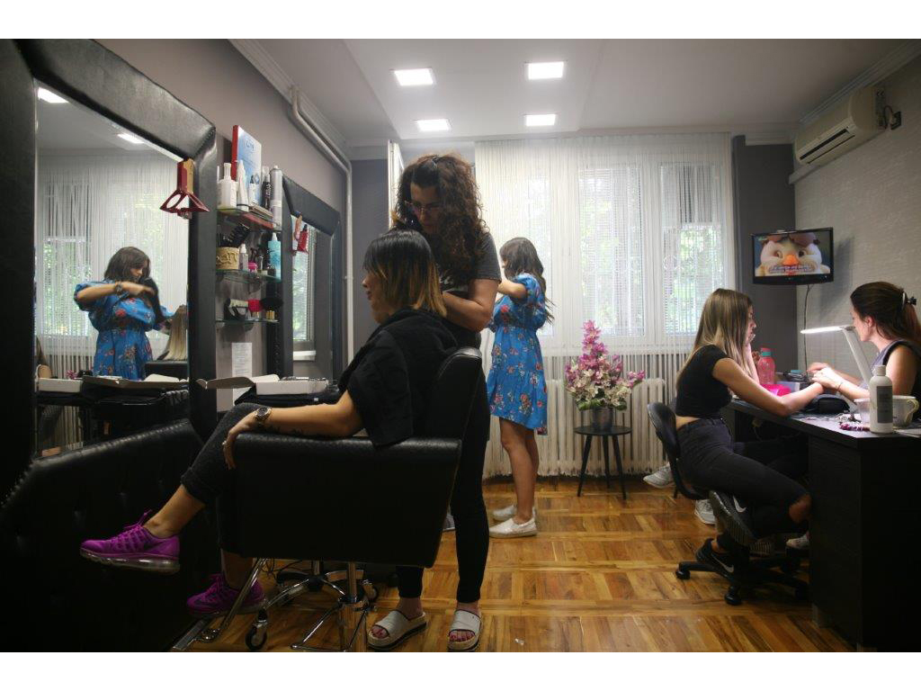 FRIZERSKO KOZMETIČKI SALON EGO Manicures, pedicurists Beograd