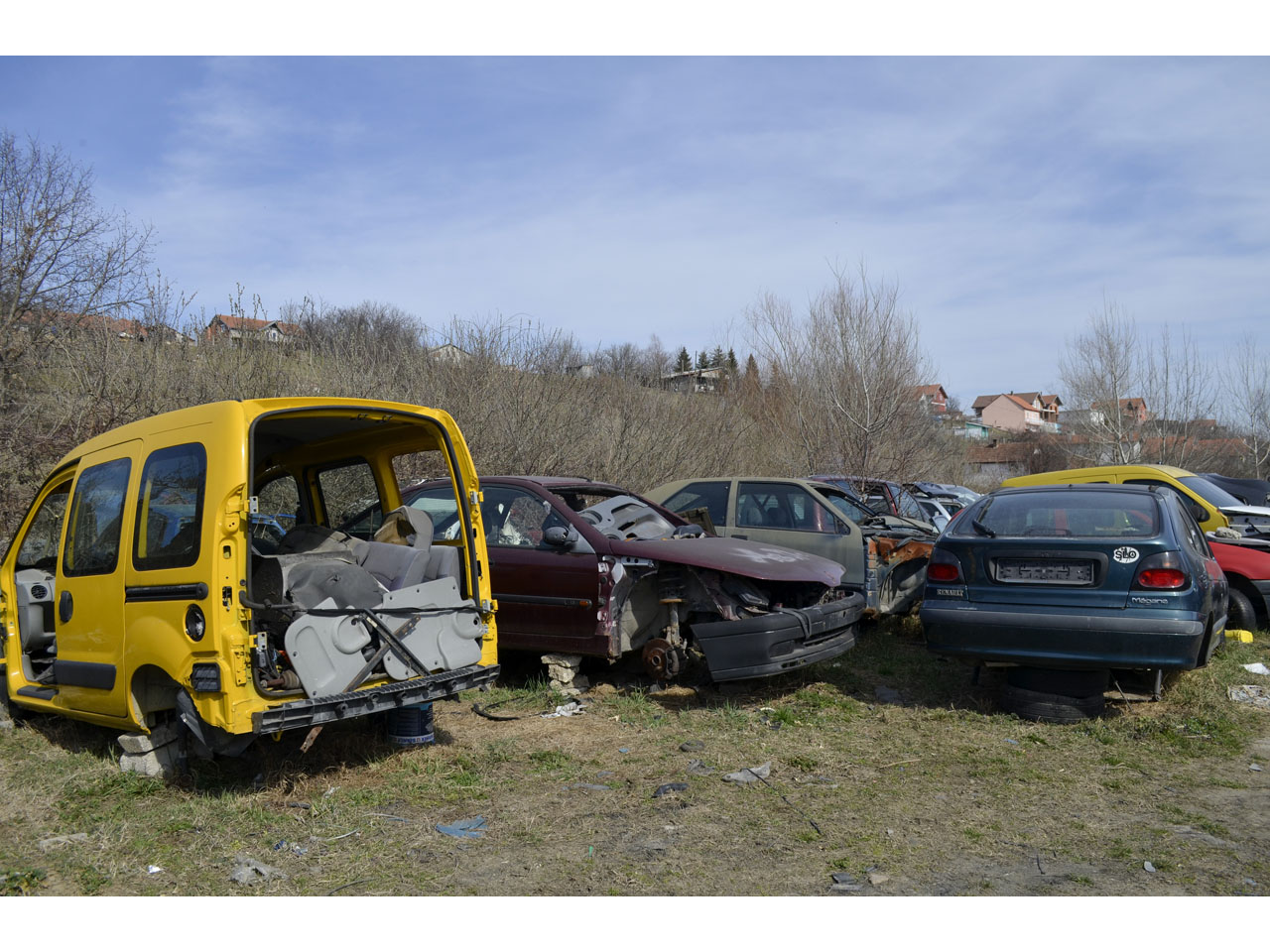 RENAULT CAR WASTE DUJA Replacement parts Beograd