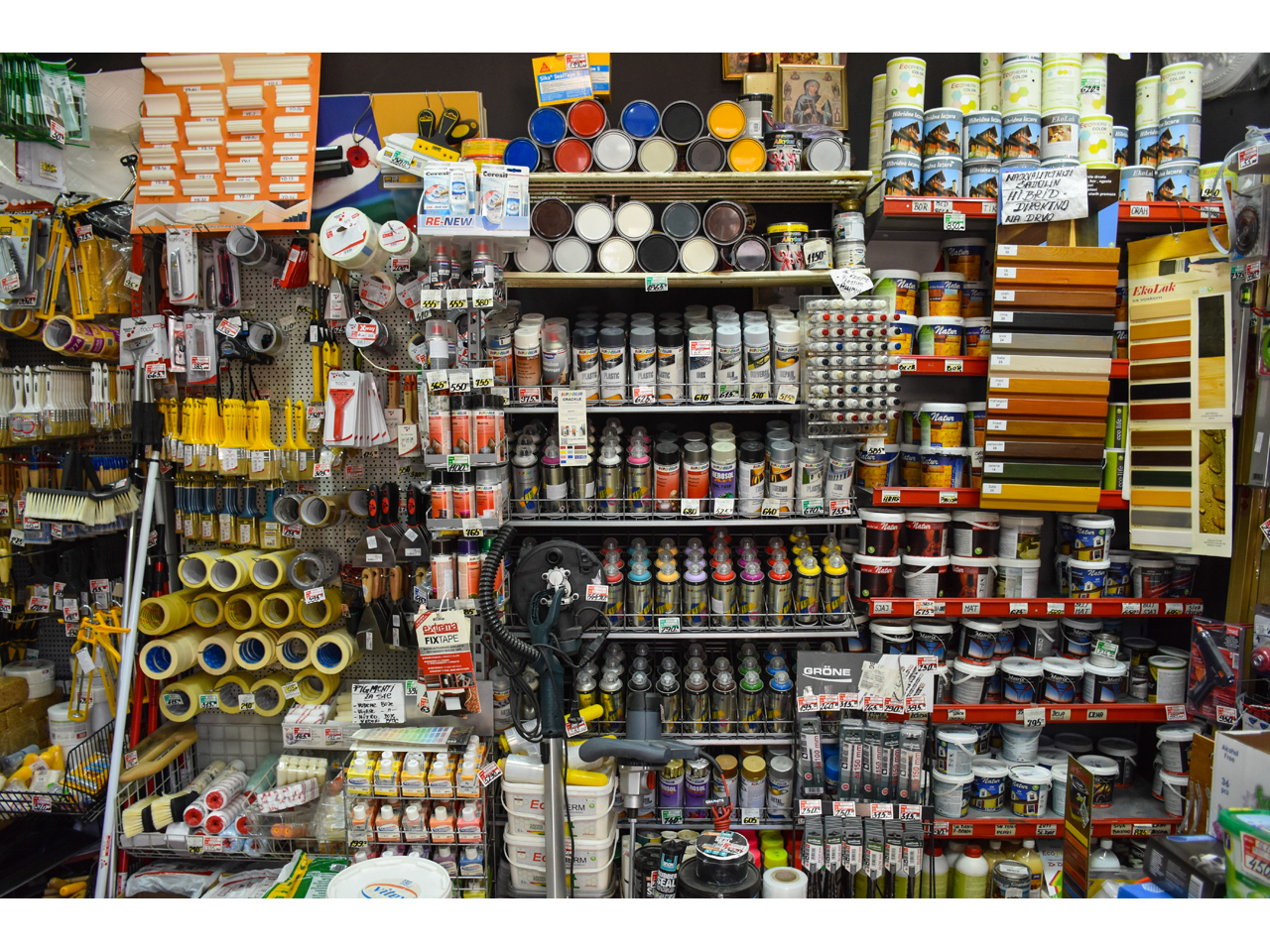 PAINT STORE ZONA N I S Colors and varnish Beograd