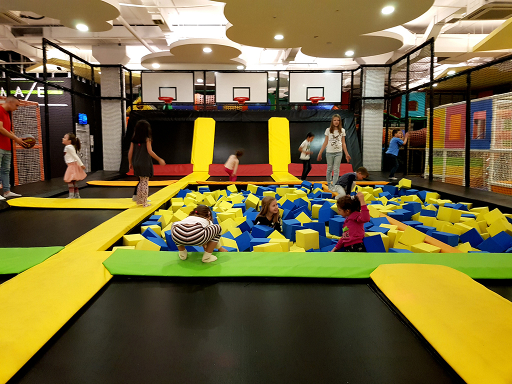 DREAMLAND GAME ROOM Kids birthdays Beograd