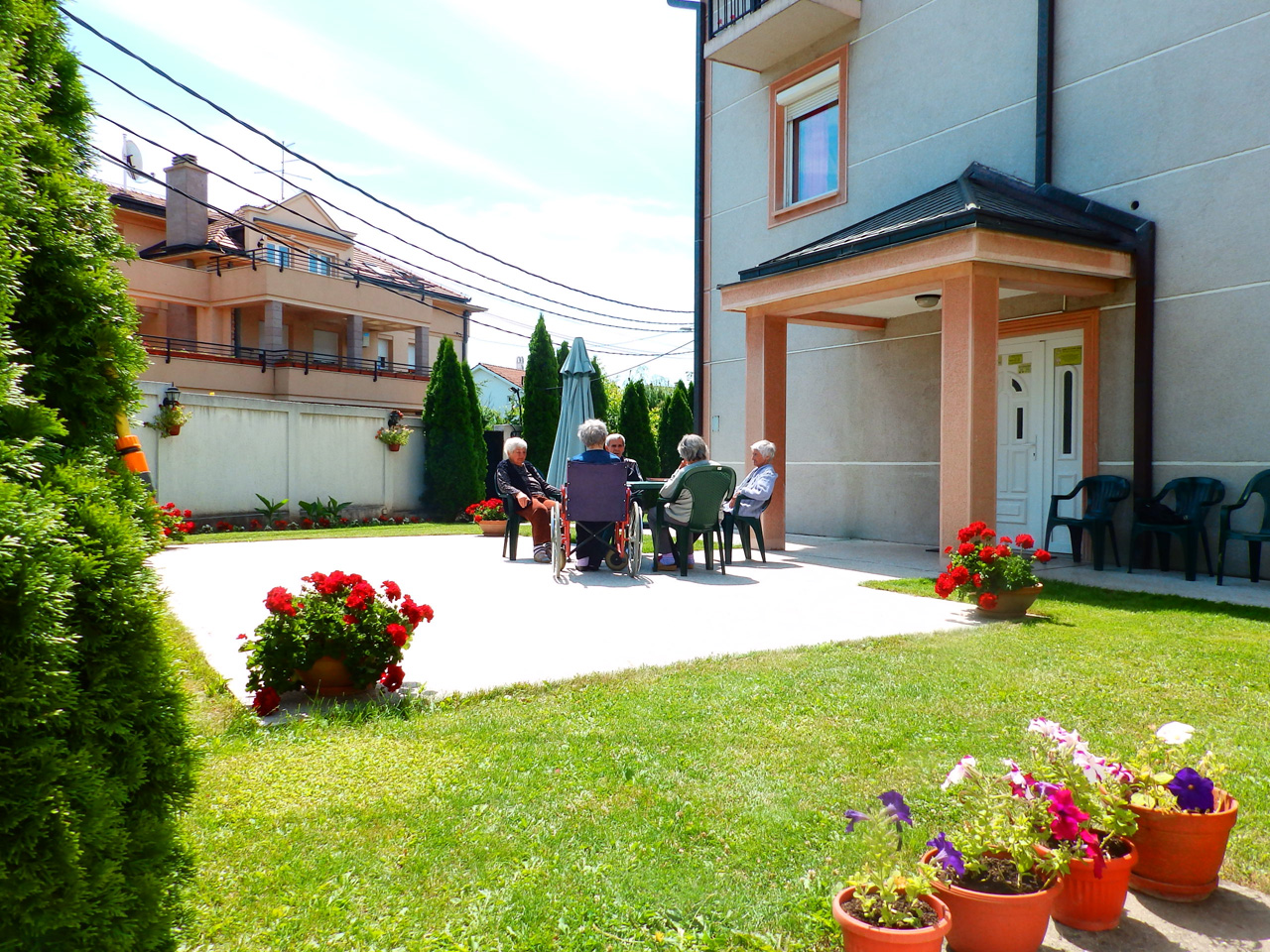 HOME FOR OLD MILAGRO CASA Homes and care for the elderly Beograd