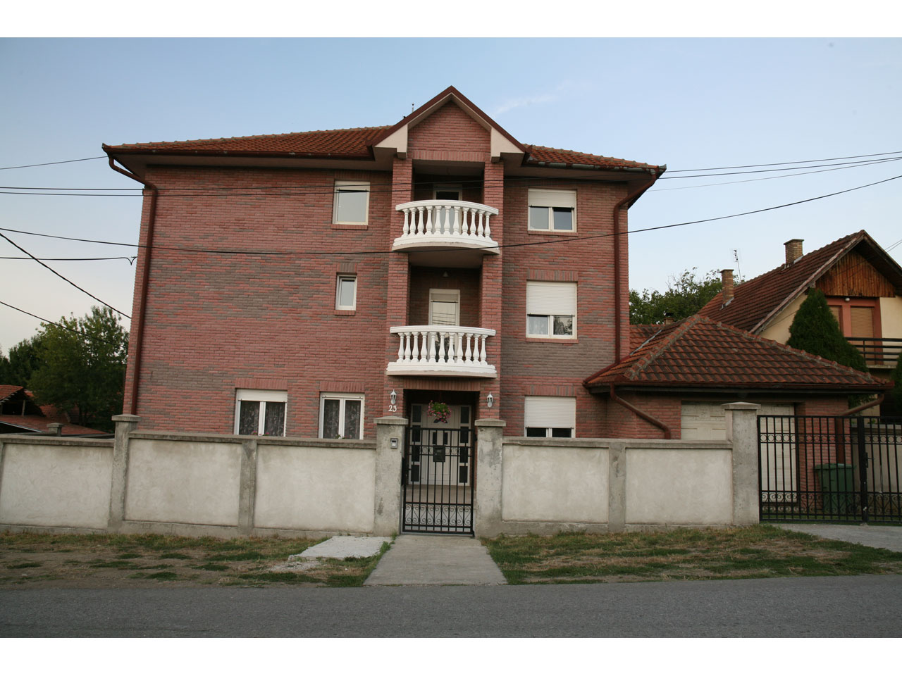 ZLATNO SRCE HOME FOR OLD Homes and care for the elderly Beograd
