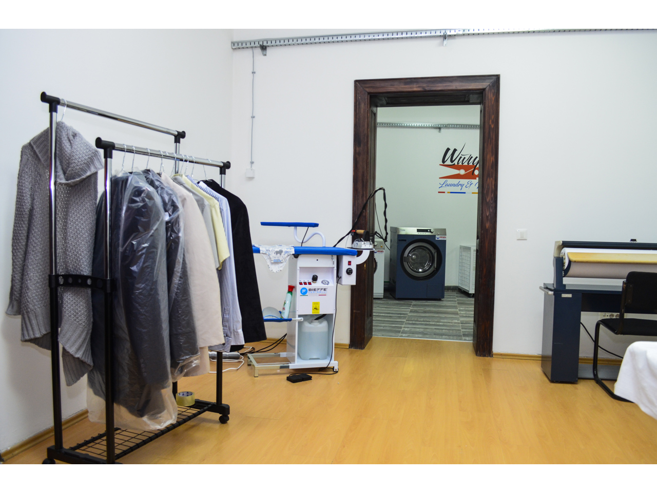 STIRK LAUNDRY WASHING AND IRONING SERVICE Dry-cleaning Beograd