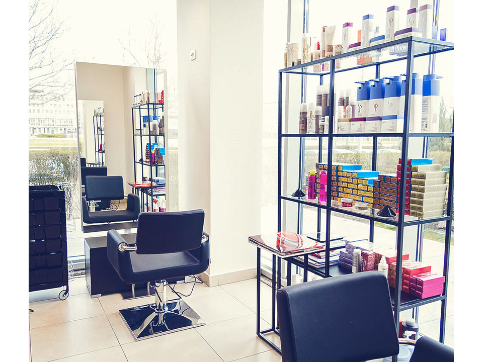 COSMETICS CENTRAL BEAUTY SALON Hairdressers Beograd