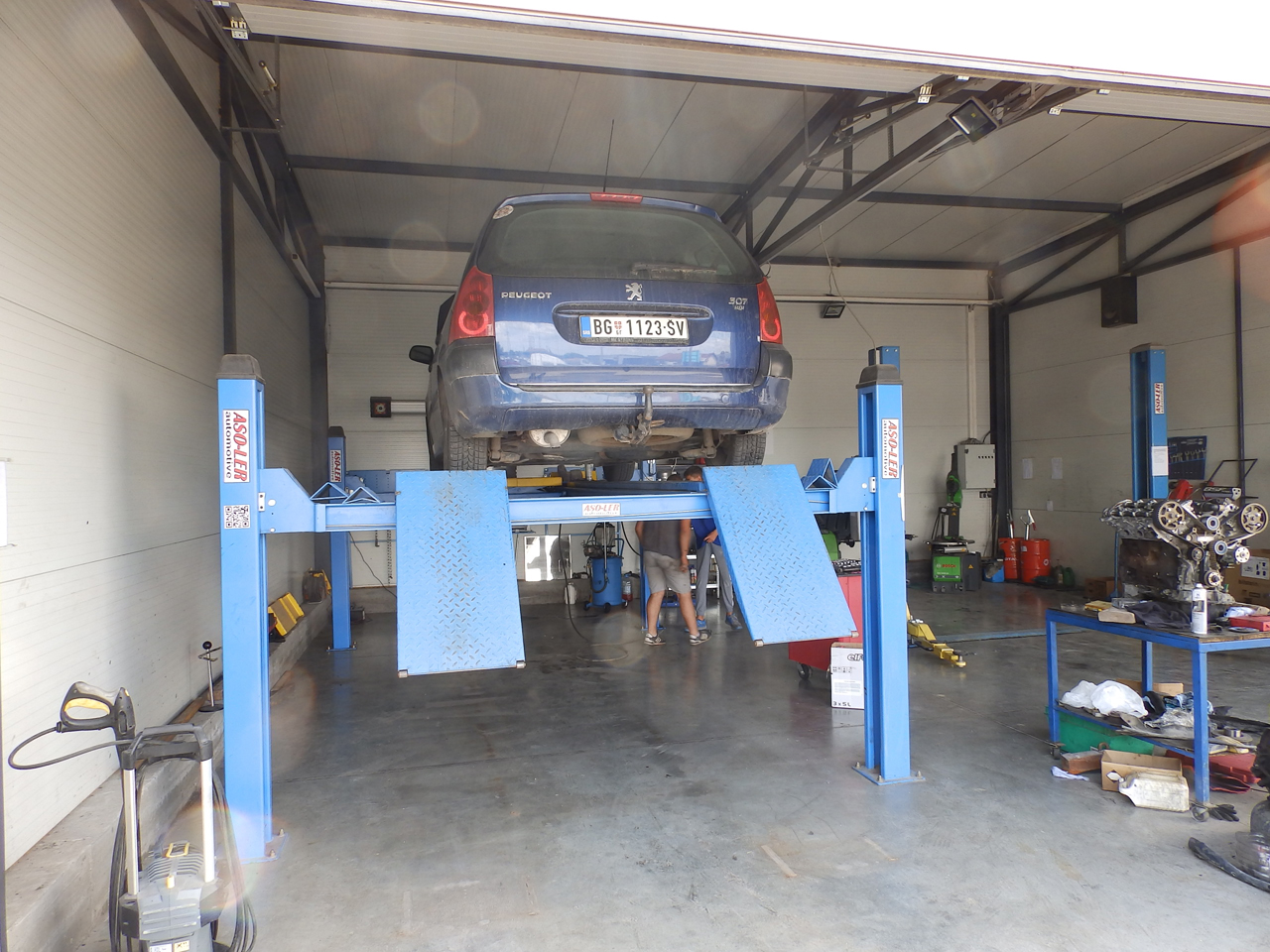 CAR CENTER JOVANOVIC Replacement parts Beograd