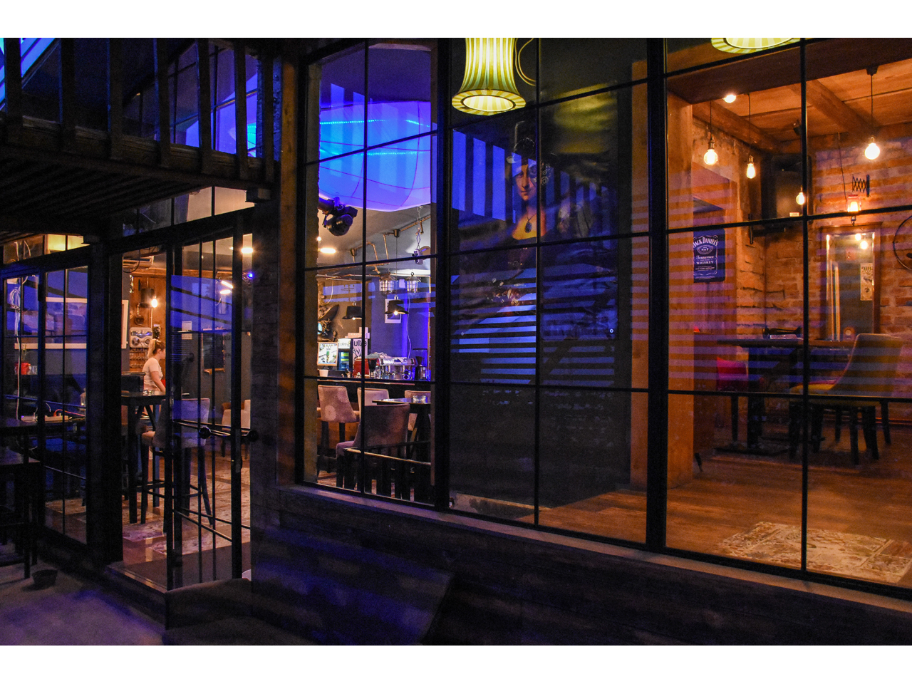 LOLA BISTRO Bars and night-clubs Beograd